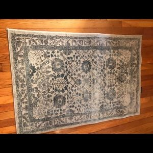 Nicole Miller area rug